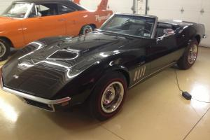 1969 Corvette 427/435hp black roadster, #s matching, tank sticker NCRS Top Flite
