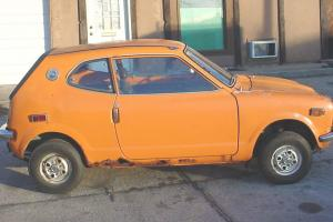 HONDA 600 1972 COUPE ORANGE RUNS GOOD VERY COMPLETE MECHANICS VERY RUSTY FLOOR