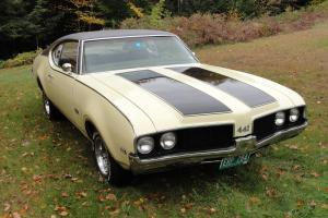 1969 Oldsmobile Cutlass 442, Canadian Built, Matching Numbers, 400 CI automatic