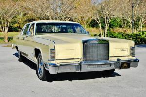 1 Owner magnificent just 11,894 miles 79 Lincoln Town Car all original pristine