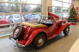 1952 MG TD RED WITH TAN INTERIOR COMPLETELY RESTORED