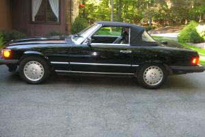 1987 Mercede-Benz 560SL Roadster Triple Black