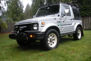 Suzuki Samurai JX Clean removable two piece hard top