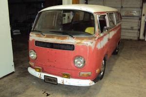 1970 Volkswagen Bus - UK Historic Tax Class Microbus 9-seater NEW ENGINE