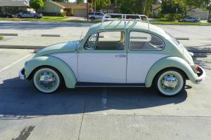 1968 Volkswagen Beetle Two Tone/Dual Carb/Roof Rack/Black Plate (NO RESERVE)
