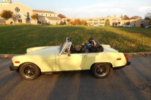 "1976 MG MGB  Midget Survivor""NO RESERVE.. Roadster  Drives like new 4 SP Garaged"