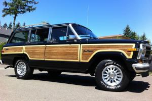 1988 Jeep Grand Wagoneer 4X4 V8 No Reserve!