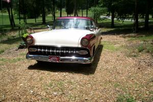 1955 Ford Fairlane 2-dr hardtop