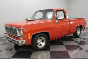 SHOW QUALITY TRUCK, 350 V8, AC, TILT, CUSTOM BUILT, STAND OUT FROM THE CROWD!