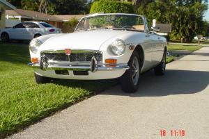 GEORGEOUS  MGB 1973 - Perfect Color combination