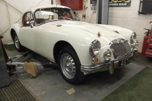 MGA TWIN CAM COUPE (SUPERGHARGED)