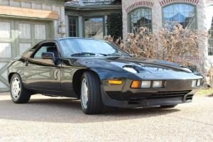 1986 Porsche 928 S ONLY 7,670 MILES!!! Concours Winner 5 Speed Manual Black
