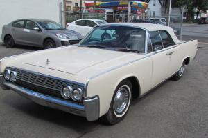 1962 lincoln Contintental convertible