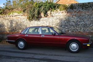 DAIMLER 4.0 AUTOMATIC SALOON 1993 SUPERB Photo