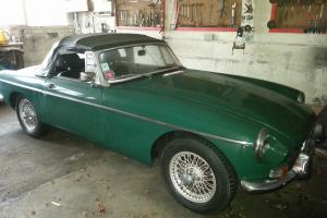 1972 SPRUCE GREEN MGB ROADSTER in Excellent Condition! Photo