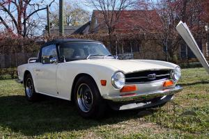 1972 Triumph TR6 - Nicely Restored!  Triple Webers!