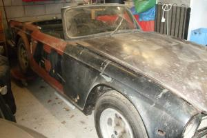 TR6 1970 BRITISH FOR RESTORATION
