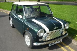 Rover Mini Cooper British Racing Green Photo