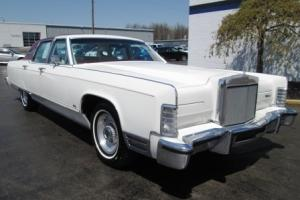 1977 LINCOLN CONTINENTAL TOWN CAR 4DR ONLY 30130 ORIGINAL MILES ONE OWNER!!! Photo