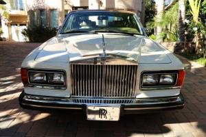 1986 ROLLS ROYCE SILVER SPUR LWB. 1 OWNER 28010 ORIGINAL MILES. MAINTAINED!LQQK