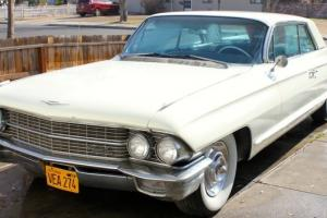 1962 CADILLAC COUPE DEVILLE ANTIQUE ALL ORIGINAL CLASSIC CAR.  GOOD CONDITION!!!