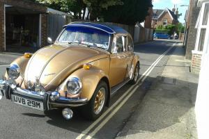 VOLKSWAGEN 1300 BEETLE GOLD 1973 Photo