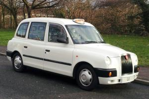 2008 (08) LONDON TAXIS INTERNATIONAL LTI TX4 TAXI MANUAL TX1 TX2 IN WHITE Photo