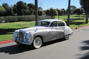 1960 Jaguar MK IX Salon with 327 Chevy engine Photo