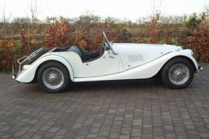 1977 MORGAN 4/4 Ivory 1600cc Crossflow 2 seater - Excellent condition Photo