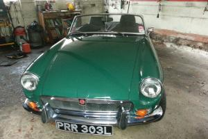 1972 SPRUCE GREEN MGB ROADSTER with Overdrive in Excellent Condition!