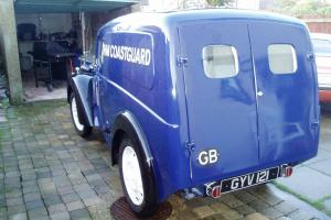 morris z 1945 post office van