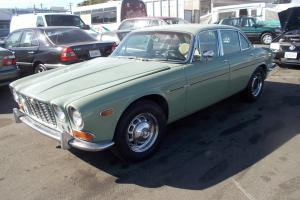 Jaguar : XJ 4 door-sedan Photo
