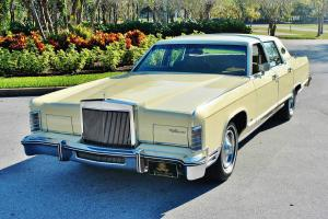 Lincoln : Town Car MAGNIFICENT