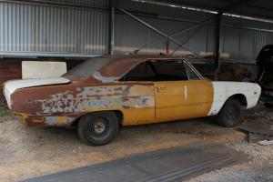VG 2 Door Valiant 1970 Unfinished Project in Ferntree Gully, VIC