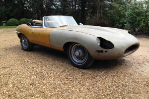 1961 Jaguar E-Type Roadster Photo