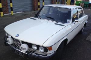 1972 BMW 2500 WHITE FULL SERVICE HISTORY ONE FAMILY OWNER FROM NEW NO RESERVE