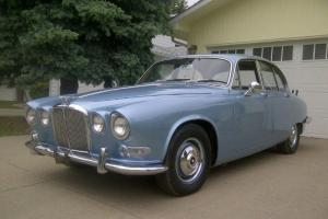 68 Jaguar 420 Photo