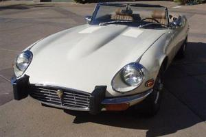 1974 JAGUAR XKE ROADSTER WHITE AUTOMATIC AIRCONDITIONING WIRE WHEELS GREAT FIND! Photo