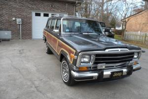 1988 Jeep Grand Wagoneer, New Paint, Only 128k, No Reserve, Beautiful Condition