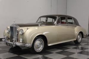 CLEAN RIGHT-HAND DRIVE EXAMPLE, REFRESHENED INTERIOR, GREAT OLD-WORLD LUXURY