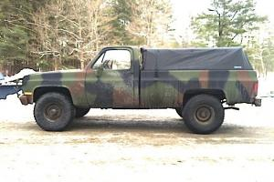1986 military M1008 diesel truck Photo