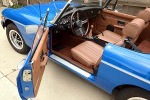 1976 MG B with new interior