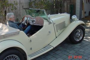 1952 MG TD Complete off the Body Older restoration Body # 12458  Cream Color Photo
