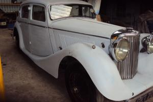 1947 MK4 JAGUAR 3.5 LITRE SALOON,PROJECT REQUIRES FINISHING,VERY SOLID CAR Photo