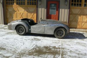 "TRIUMPH TR3 ""1959"" PROJECT CAR -- VERY NICE -- LOTS OF NEW PARTS *LOOK*"