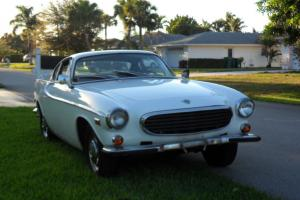 VOLVO  P1800s - 1966 - A very unique one- Yes P1800s / 1966