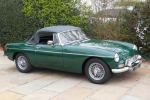 MGB Roadster / Convertible UK - RHD 1971 – Restored / Overdrive / Stunning! Photo