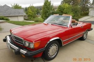 1987  560  RED ROADSTER