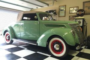 1937 Ford Cabriolet Convertible w/ Rumble Seat