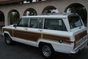 1989 Jeep Grand Wagoneer Base Sport Utility 4-Door 5.9L Low Reserve